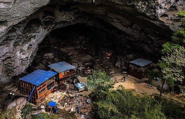 Около 35 миллионов китайцев живут в пещерах