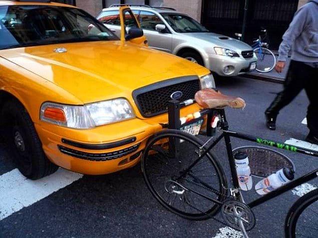 «В меня врезалась машина, когда я ехал на велосипеде. Велосипед победил»