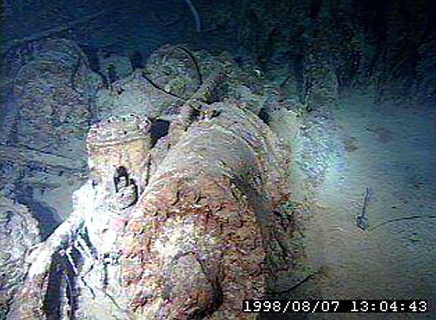 """В туре, где ученым и исследователям будут предоставлены привилегии, планируется использовать корабль под названием """"Титан"""", который осуществит транспортировку туристов на глубину 13 000 футов (около 4 000 метров)."""