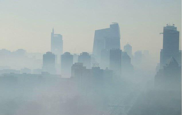 Вдыхать пекинский воздух - все равно что курить 21 сигарету в день
