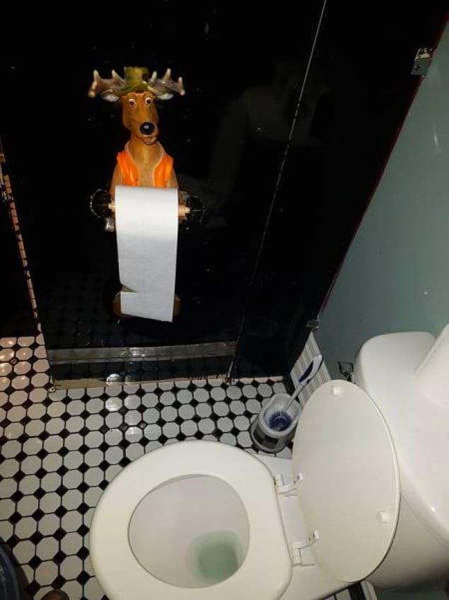 Вот чем вас обычные держатели для туалетной бумаги не устроили?