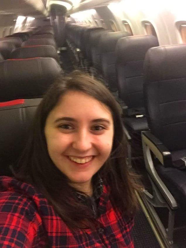 Эта женщина оказалась единственным человеком на своем рейсе. Как это вообще происходит???