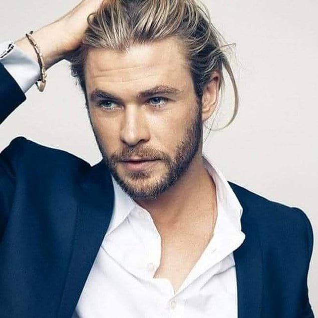 Как вы уже поняли, мужчины с длинными волосами иначе смотрят на жизнь, думают совершенно по-другому и уверены в себе!