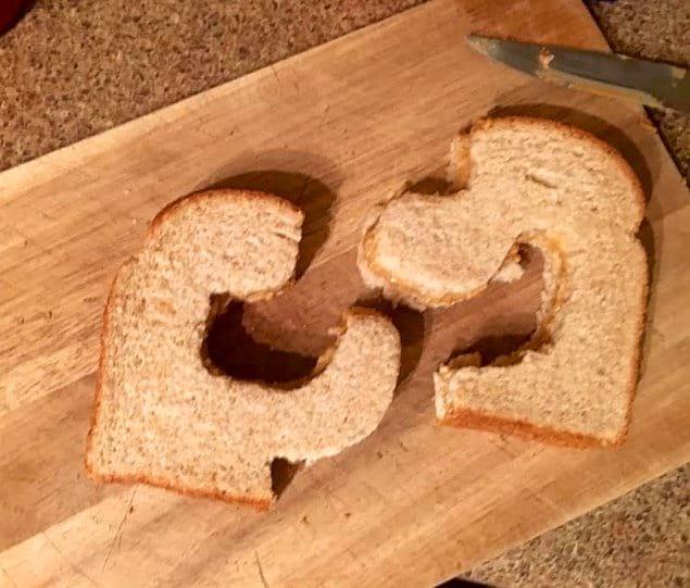Тот момент, когда ты попросила своего искрящего юмором мужа разрезать ломтик хлеба напополам.
