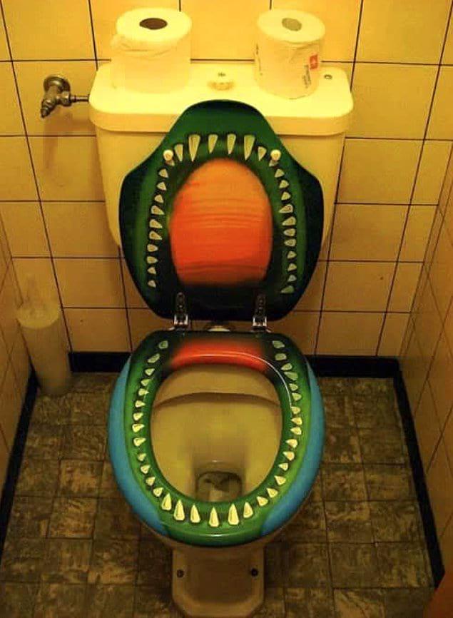 Туалет из ваших самых худших кошмаров