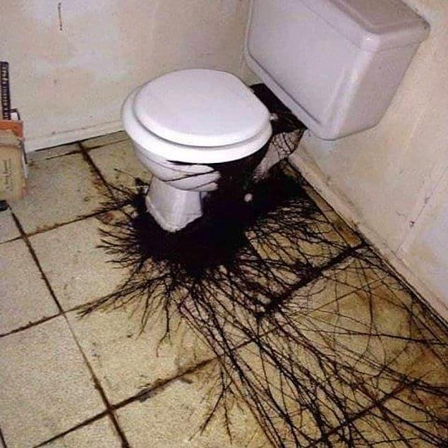 Туалет с очень плохой аурой