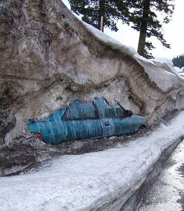 Вот что бывает, когда зимой забываешь на неделю о своей машине...