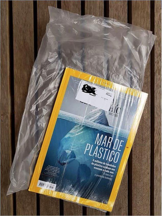 Журнал про опасность пластика для природы... упакованный в пластик.